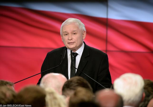 """Ekspert mowy ciała o Kaczyńskim. """"Zero radości, dał do zrozumienia, że przegrał"""""""