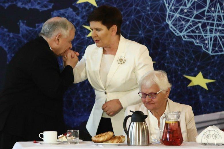 Upokorzenie Szydło w PE to wpadka samego Kaczyńskiego? Miał źle zrozumieć gościa z Niemiec